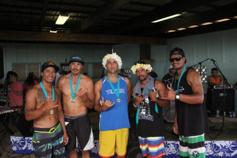 2 Molokai Crews Paddle in Pailolo