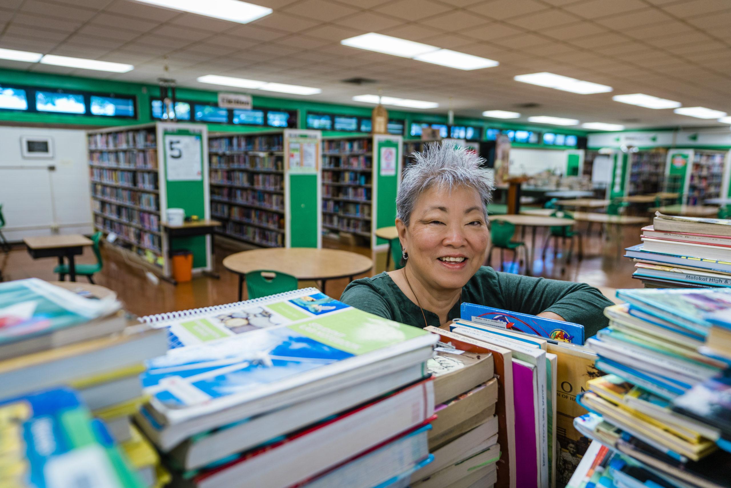 Diane Mokuau Wins National Librarian Award