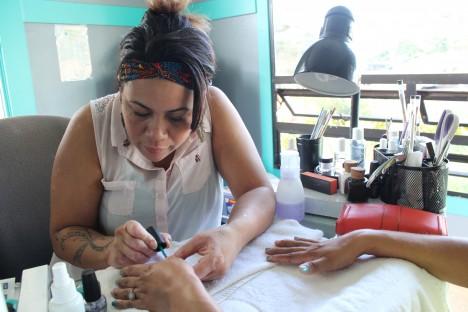 Family Revives Salon in Maunaloa