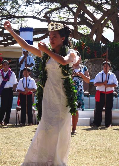 Kaunakakai School May Day queen. Photo by Eileen Chao