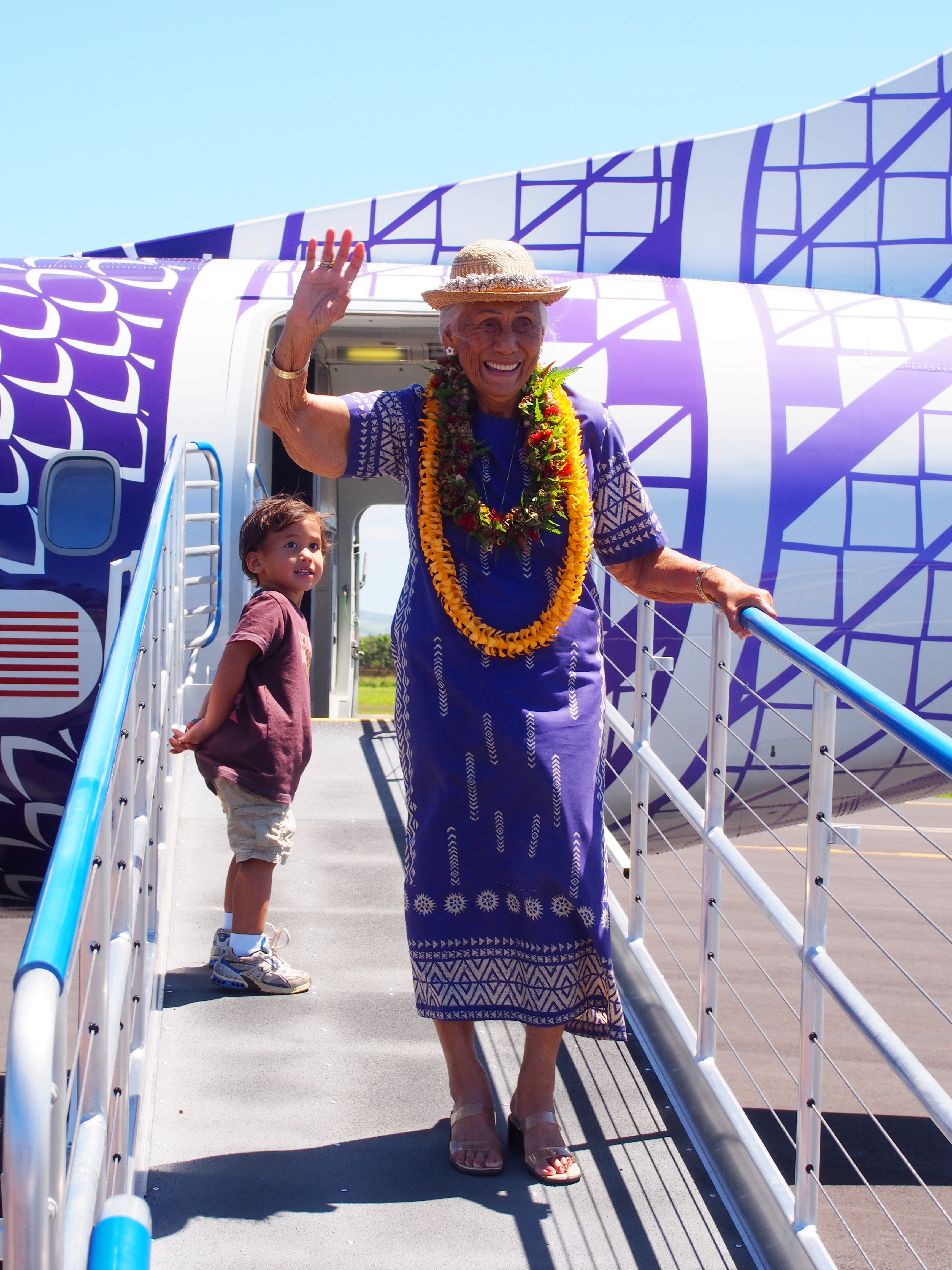 Hawaiian Airlines Welcomed Back The Molokai Dispatch