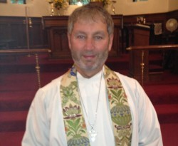 Grace Episcopal Church Installs New Priest